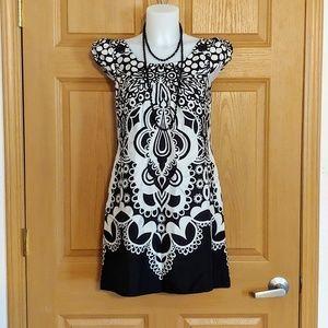 Oasis Black & White Dress w/ Great Design